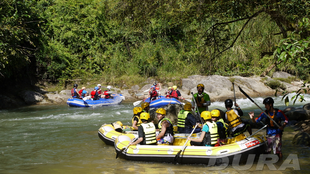 Sg Itek is a tourist spot for white water rafting.
